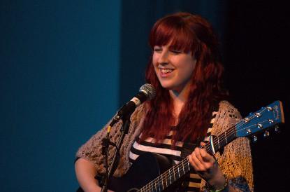 Emily Sargant performing
